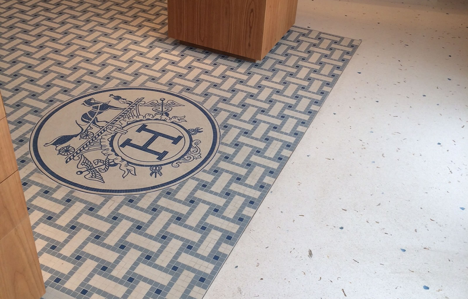 Startseite - Terrazzo floor made with specially selected blue crystals and sea shells