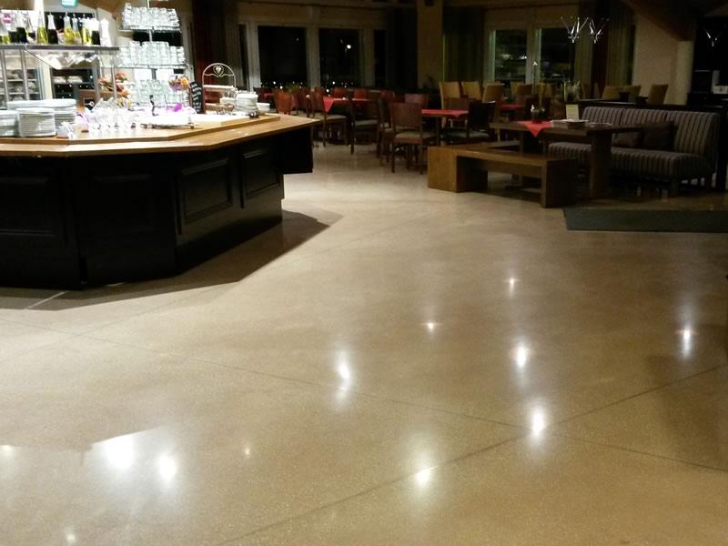 Restaurant und Café – Finnland - Joint-free floor