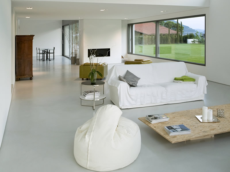 Private Wohnräume - White Concrete Floors