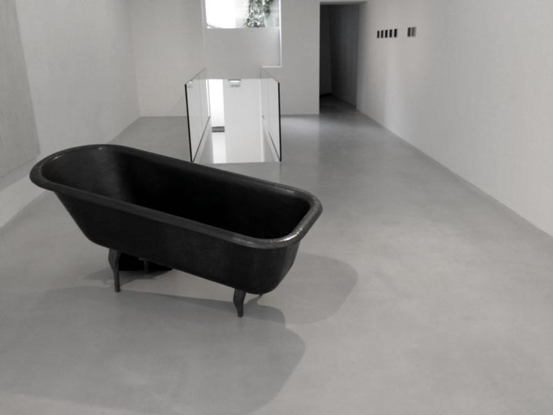 Mennour Kamel – Eröffnung einer neuen Galerie - Self leveling overlay floor.