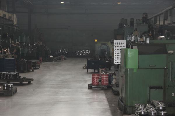 Instandsetzung eines alten Fabrikbodens - 2 years after restoration