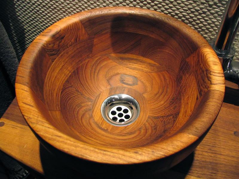 Holz und Beton - Wooden basin